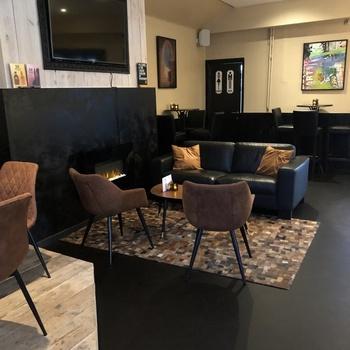 Cafe Noir - In beeld